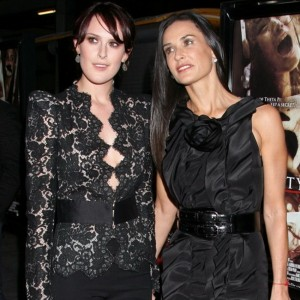 demi-moore-and-rumer-willis-sheknows-com_resize